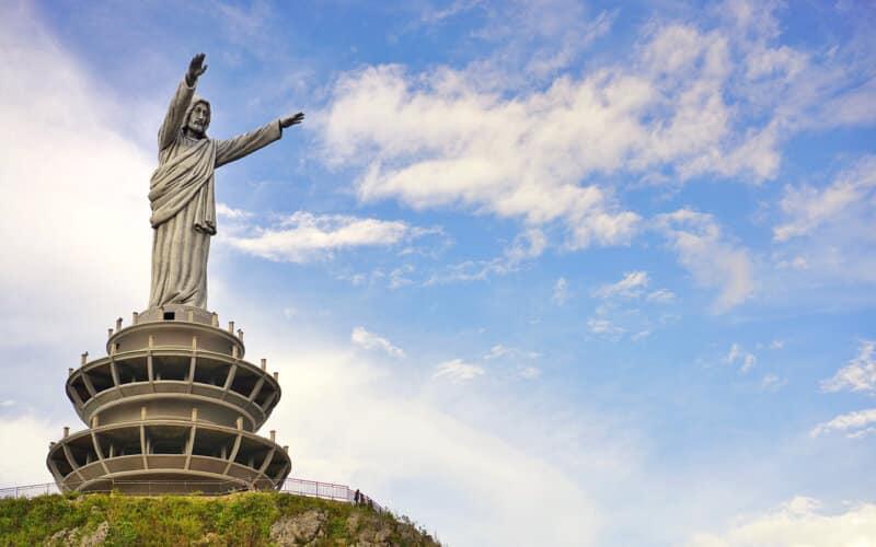 Patung-Yesus-Memberkati