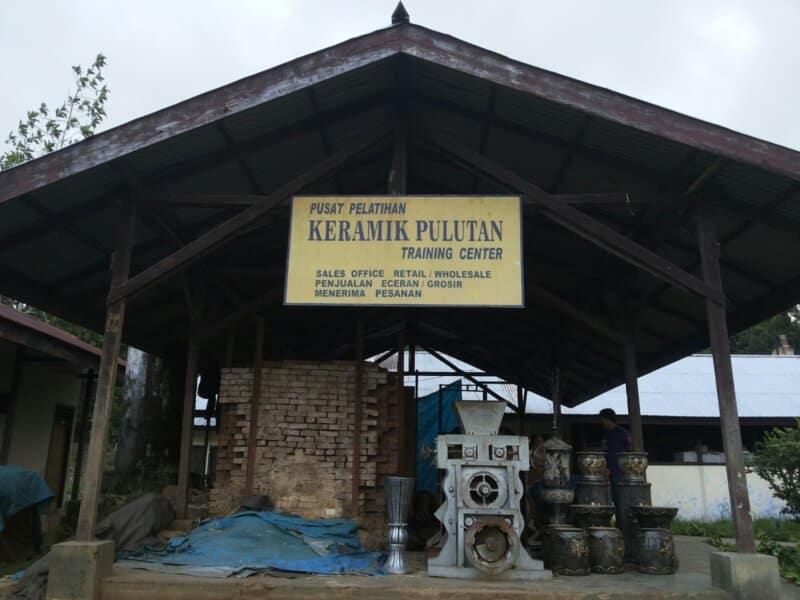 Tempat-Wisata-Kerajinan-Keramik-Pulutan