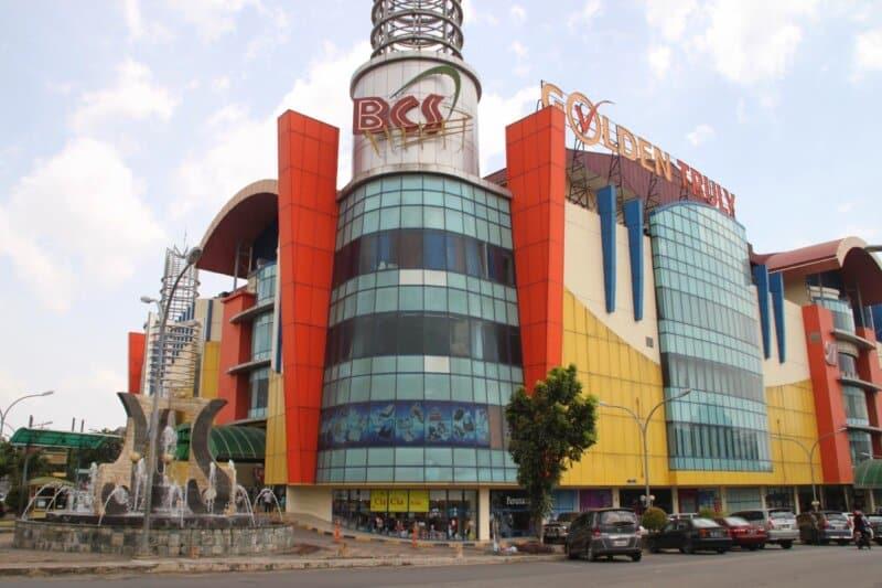 Berbelanja-Elektronik-Lucky-Plaza
