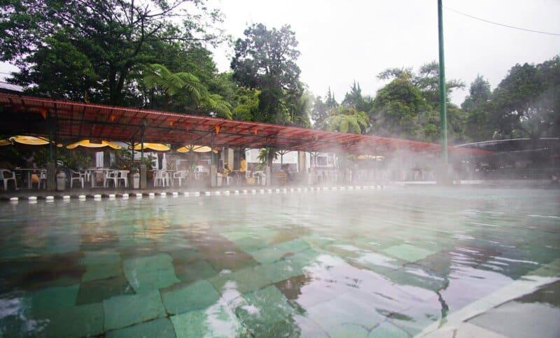 Pemandian-Air-Panas-Cimanggu