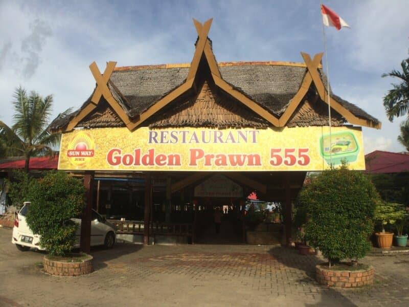 Tempat-Wisata-Seafood-Golden-Prawn-Batam