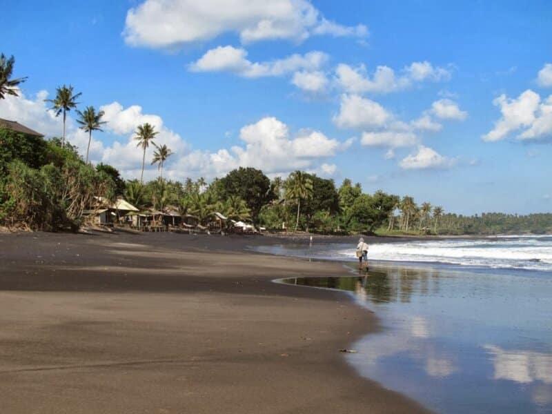 Berenang di Muara Balian