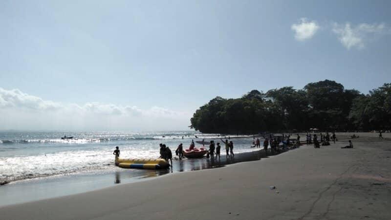 Garis Pantai yang Panjang