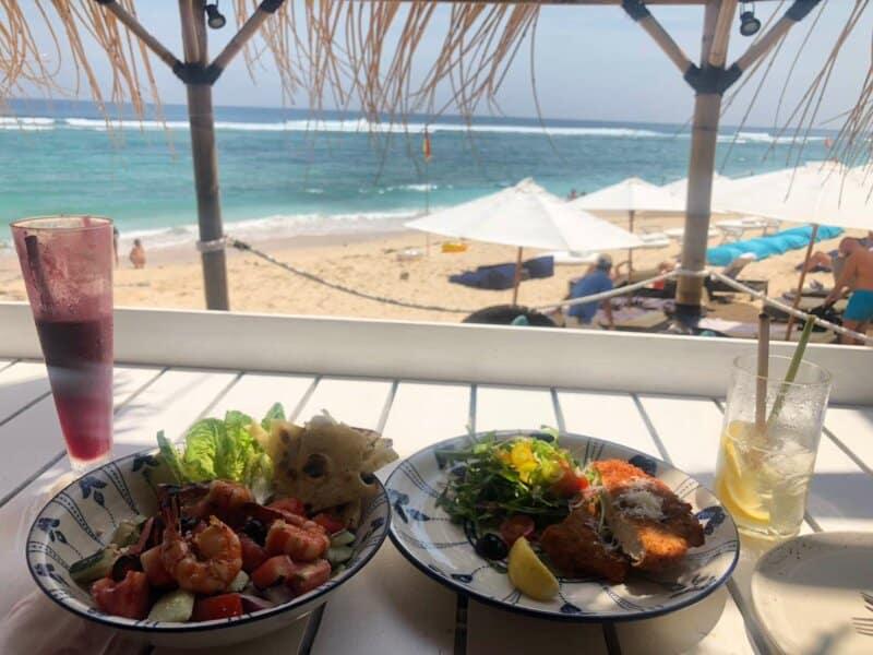 Fasilitas Pantai Karma Kandara Bali