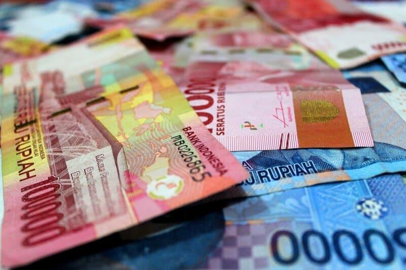 Hindari Menggunakan Pecahan Uang Besar untuk Membayar