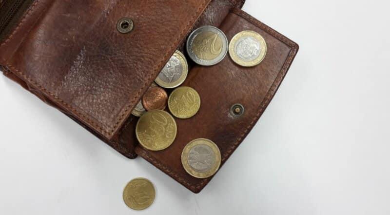 Simpan Uang secara Terpisah