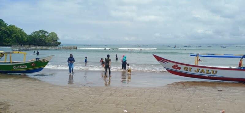 Tips Berwisata di Pantai Pangelek