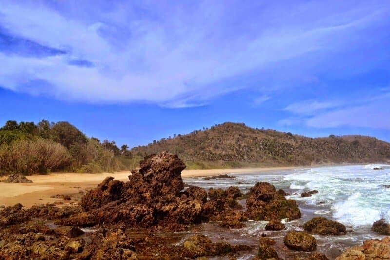 Tips Berwisata ke Pantai Parang Kursi Banyuwangi