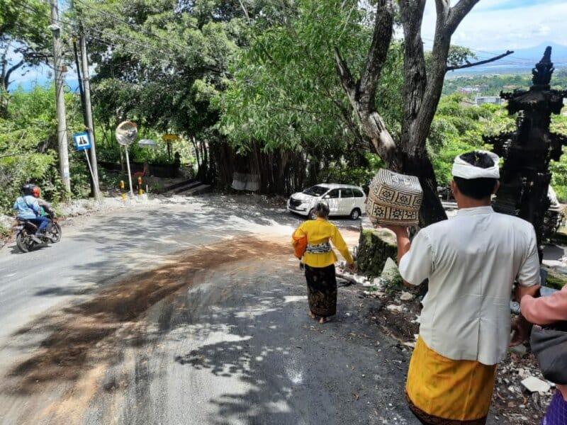 Akses Menuju Pura Goa Gong