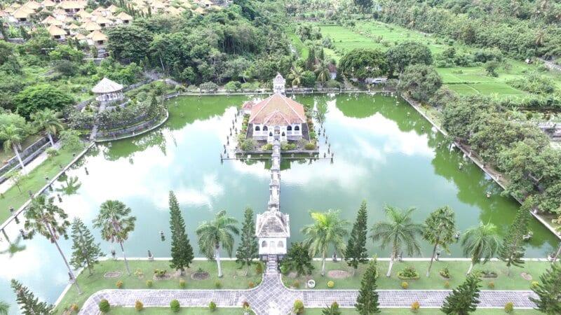 Akses Menuju Taman Ujung Bali