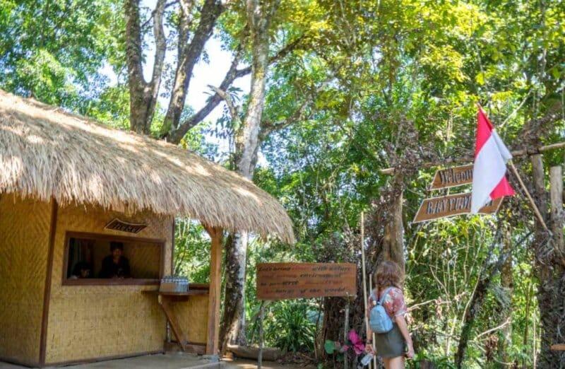 Fasilitas Wisata Air Terjun Banyumala Bali