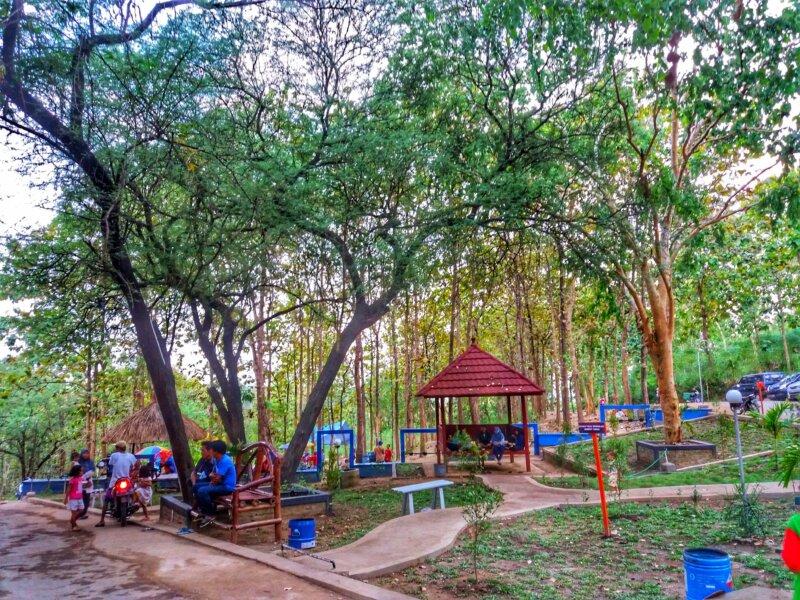 Fasilitas Wisata Bukit Cinta Bayat Watu Prau