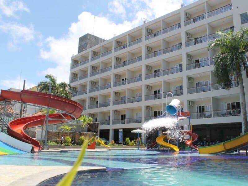 Hotel Terdekat dari Pantai Karang Tirta
