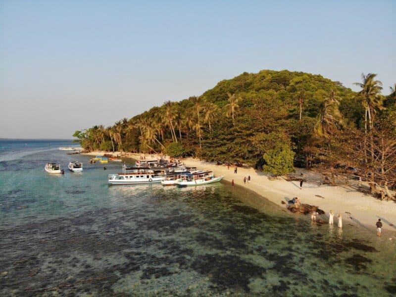 Tips Wisata Pantai Ujung Gelam