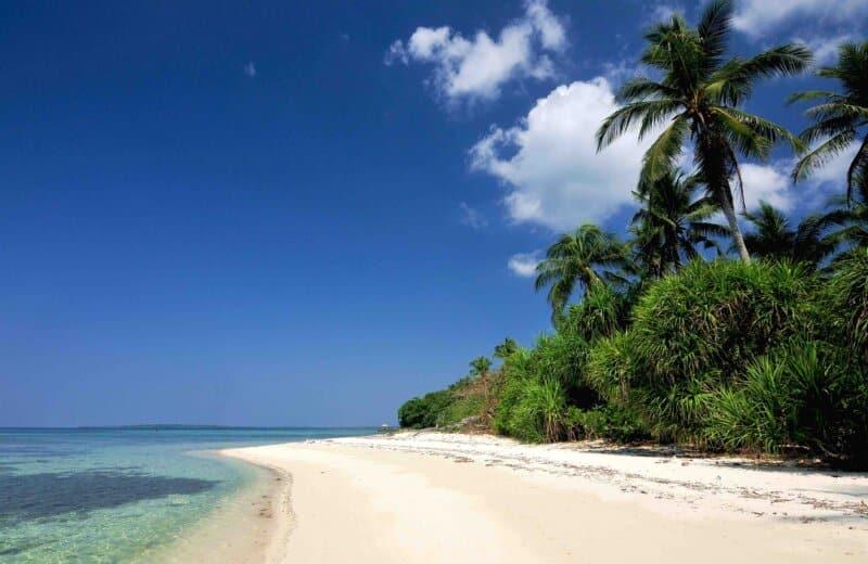 Pergi ke Pulau Cemara Besar
