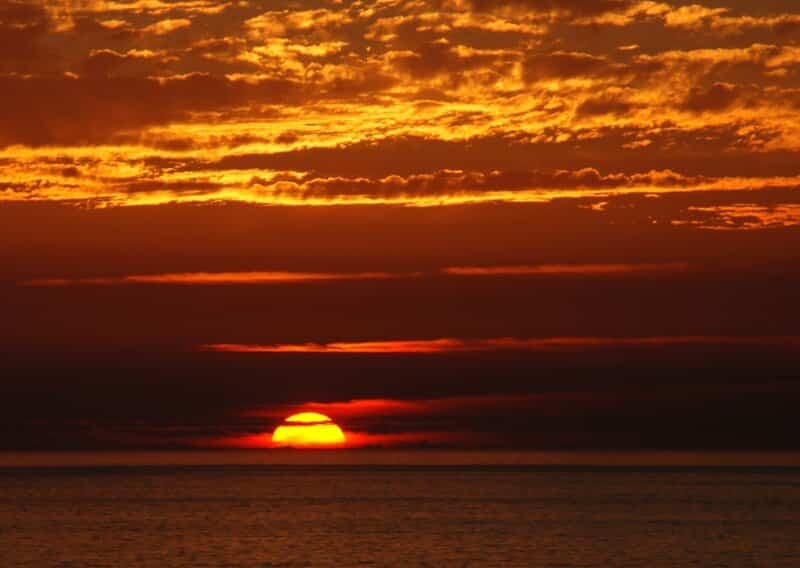 Berburu-Pemandangan-Sunset