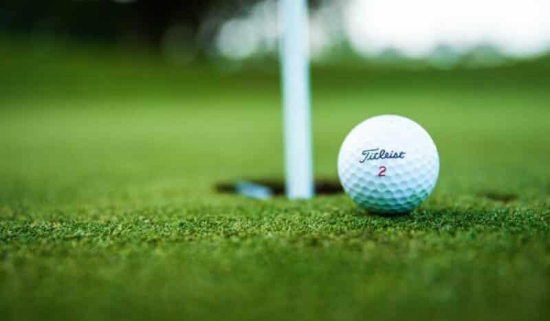 Bermain-Golf