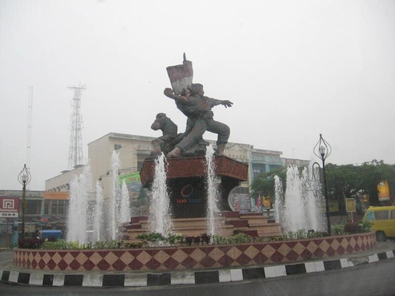 Simbolis-Patung-Pahlawan-45-Kota-Binjai
